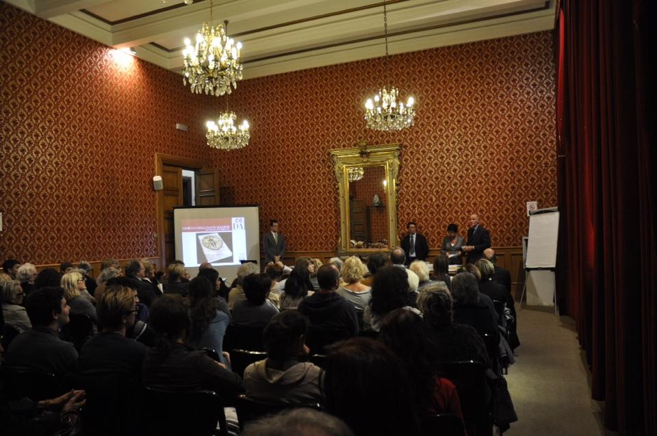 """Presentazione delle attività.  """"Dante Alighieri"""" di Savona, 21 ottobre 2013"""